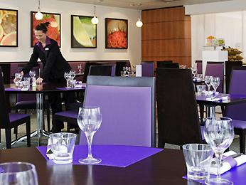 restaurant novotel cafe courcouronnes cuisine fran aise. Black Bedroom Furniture Sets. Home Design Ideas