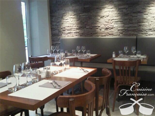 restaurant la place saint cyr sur mer cuisine fran aise. Black Bedroom Furniture Sets. Home Design Ideas