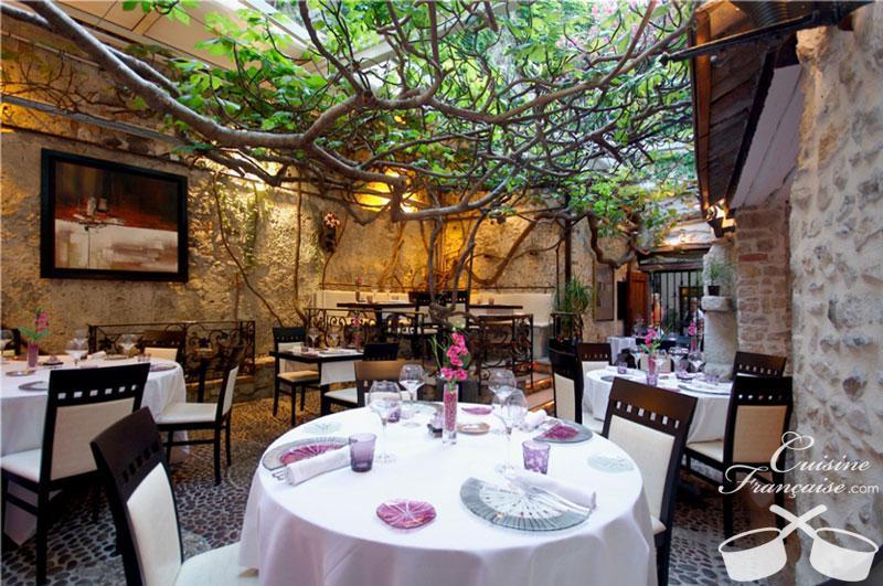 Port vauban htels restaurants port de plaisance for Restaurant le jardin a antibes