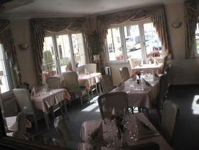 restaurant la rose stiring wendel cuisine fran aise. Black Bedroom Furniture Sets. Home Design Ideas